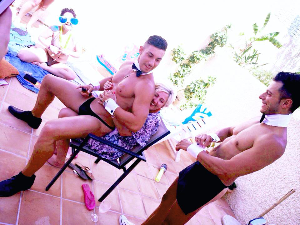 Sexy waitress / Sexy Butler Ibiza - sexy butler in the buff ibiza - cheeky butler ibiza Hugo & Giorgio - Hen do, bachelorette party, hen party