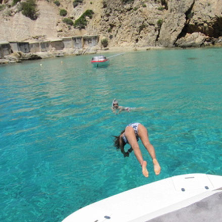 Ibiza boat rental with girls 3, hire boat in Ibiza with girls, rent a boat Ibiza, Ibiza boat trip